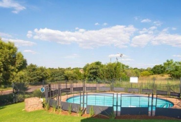 R2 035 000 00 3 Bedroom  Townhouse for Sale in Eldo Ridge Estate